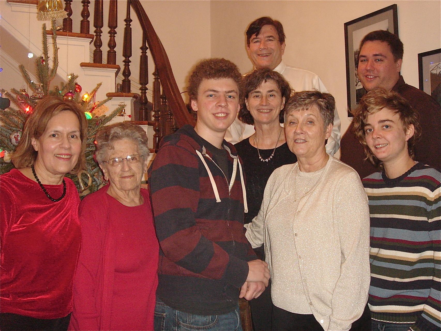 Lorraine, Mary Lou, Ben, Ann, John (behind Ann), Cindy, Greg & Kathleen Xmas Day 2014