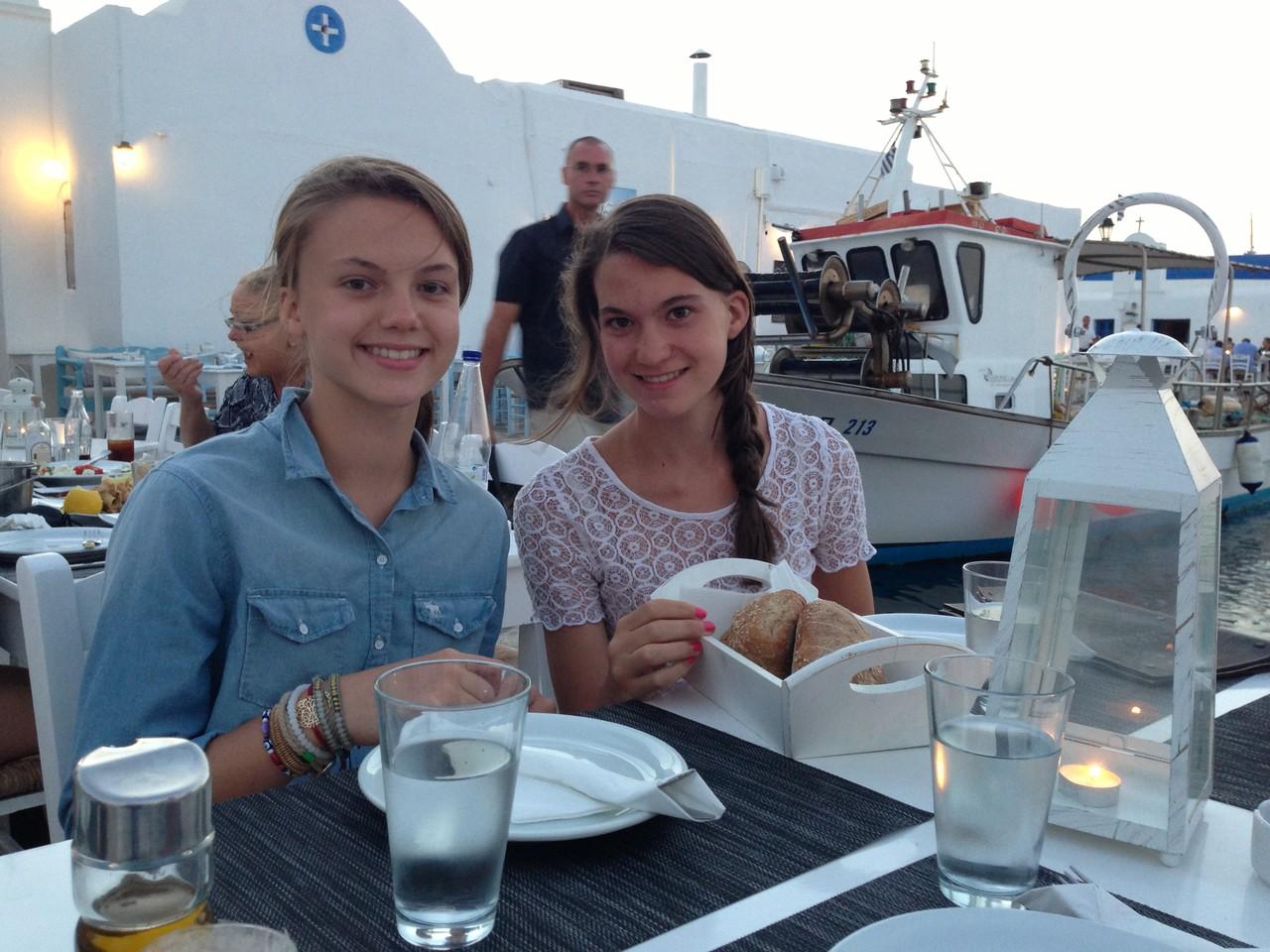 Kate & Ellie, Paros