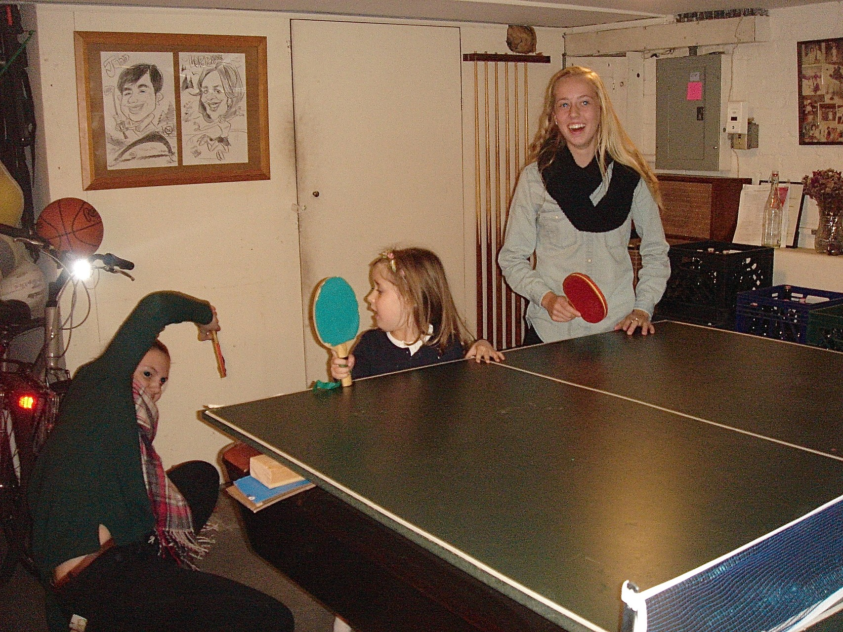 Kate, Charlotte & Brooke play ping-pong