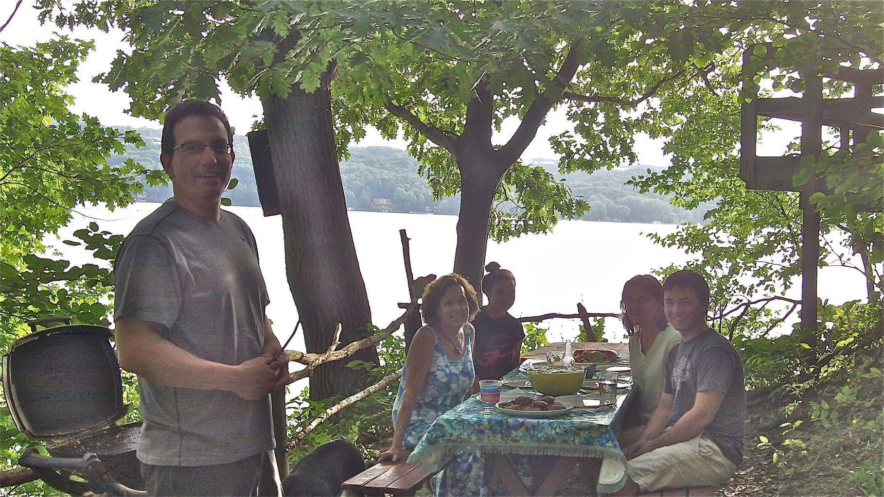 Nick, Lorraine, Sara, Cyndi & Trevan Skaneateles Picnic, August, 2014