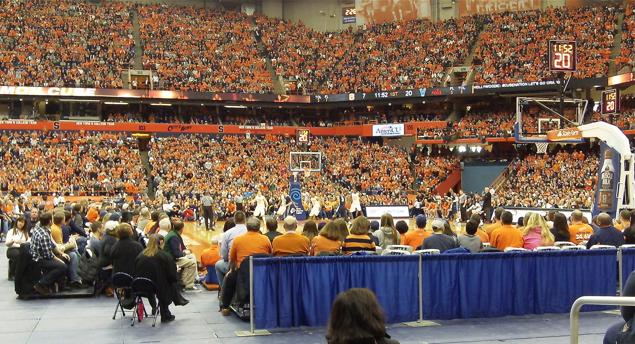 Pictures from the SU Basketball game...