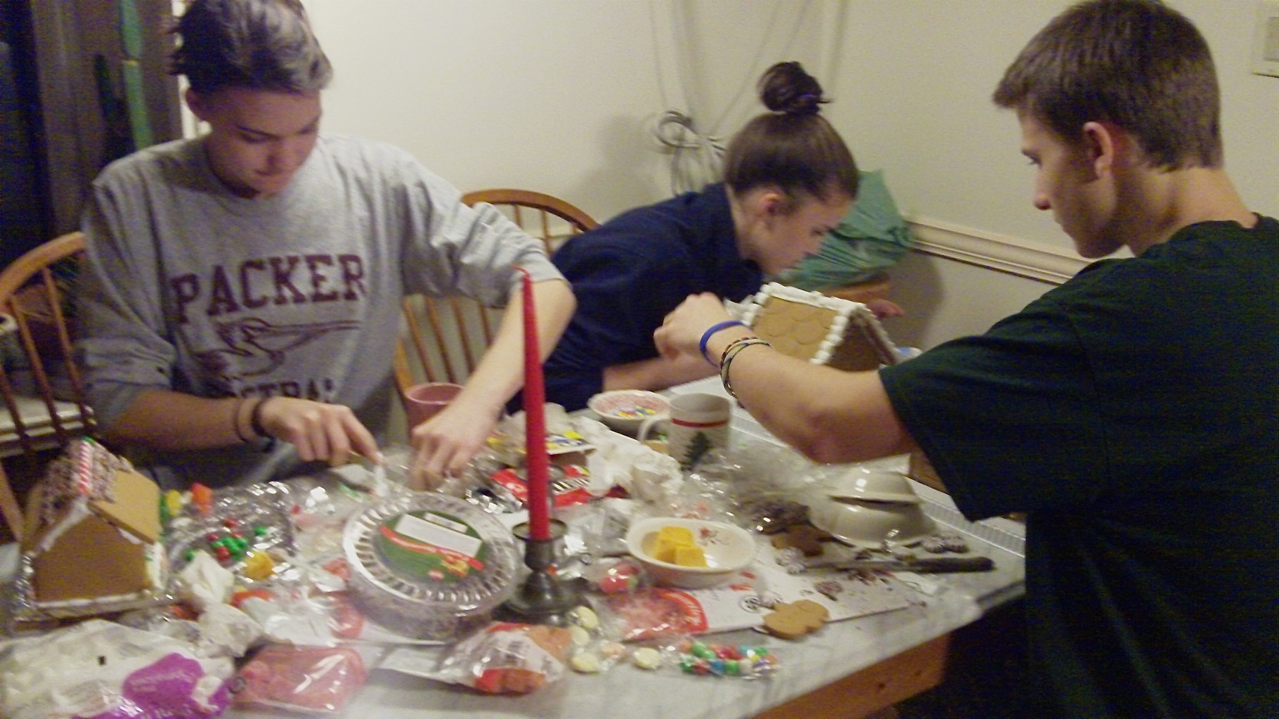 Decorating gingerbread houses....