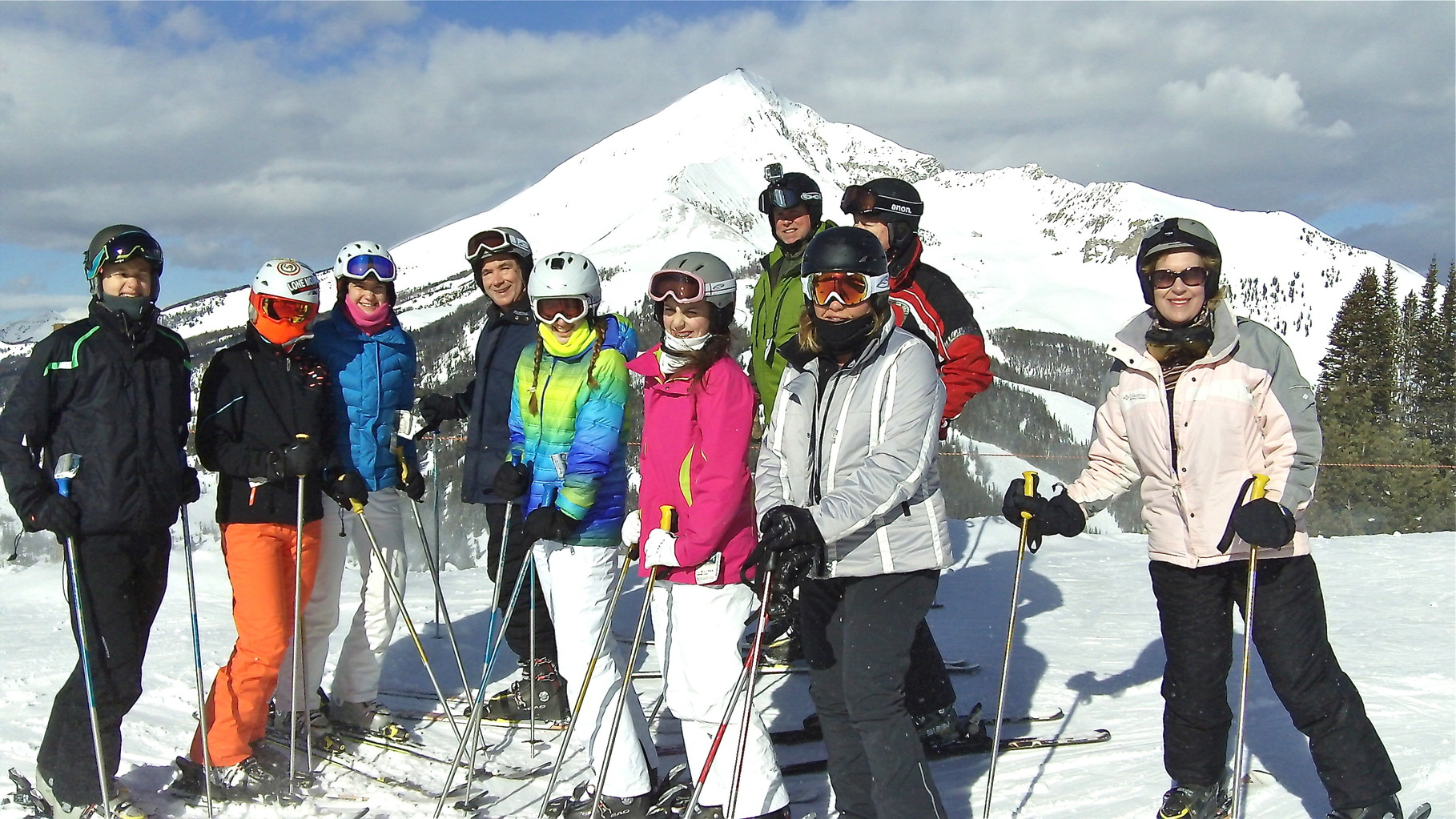Jack, Kate, Ellie, John, Emma, Gabby, Stuart Jr., Celeste, Jack Donohue, & Lorraine, Lone Peak in background