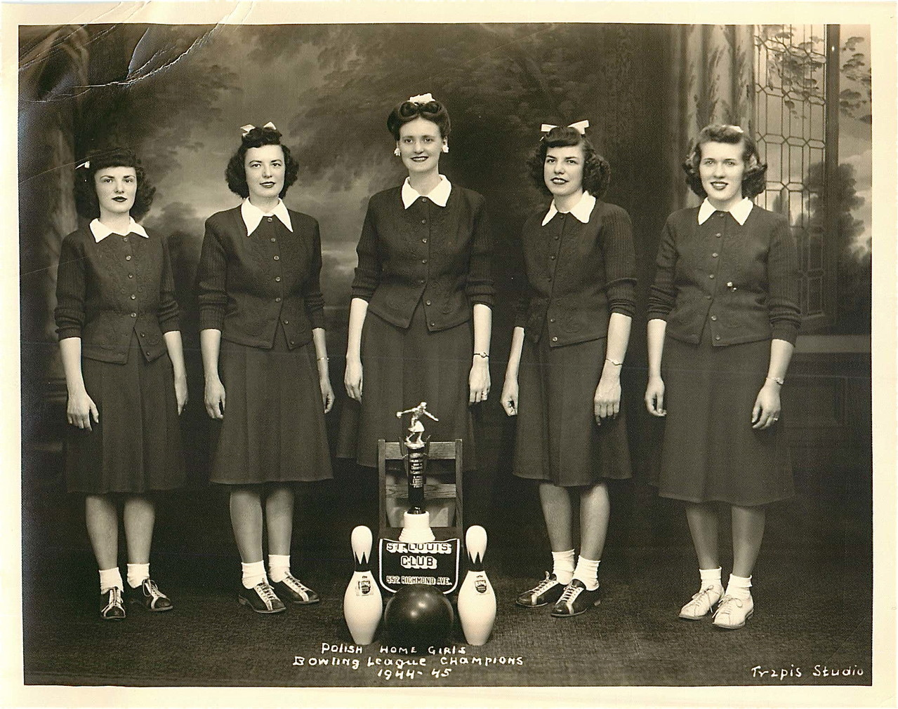 Eleanor Bogden Gudas, 1944, Polish Home Girls League Team Champions