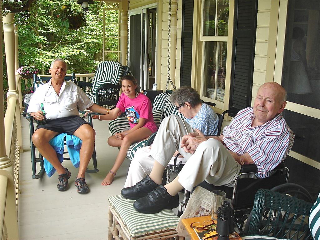 Stuart 1, Ellie, Eleanor, Al on porch