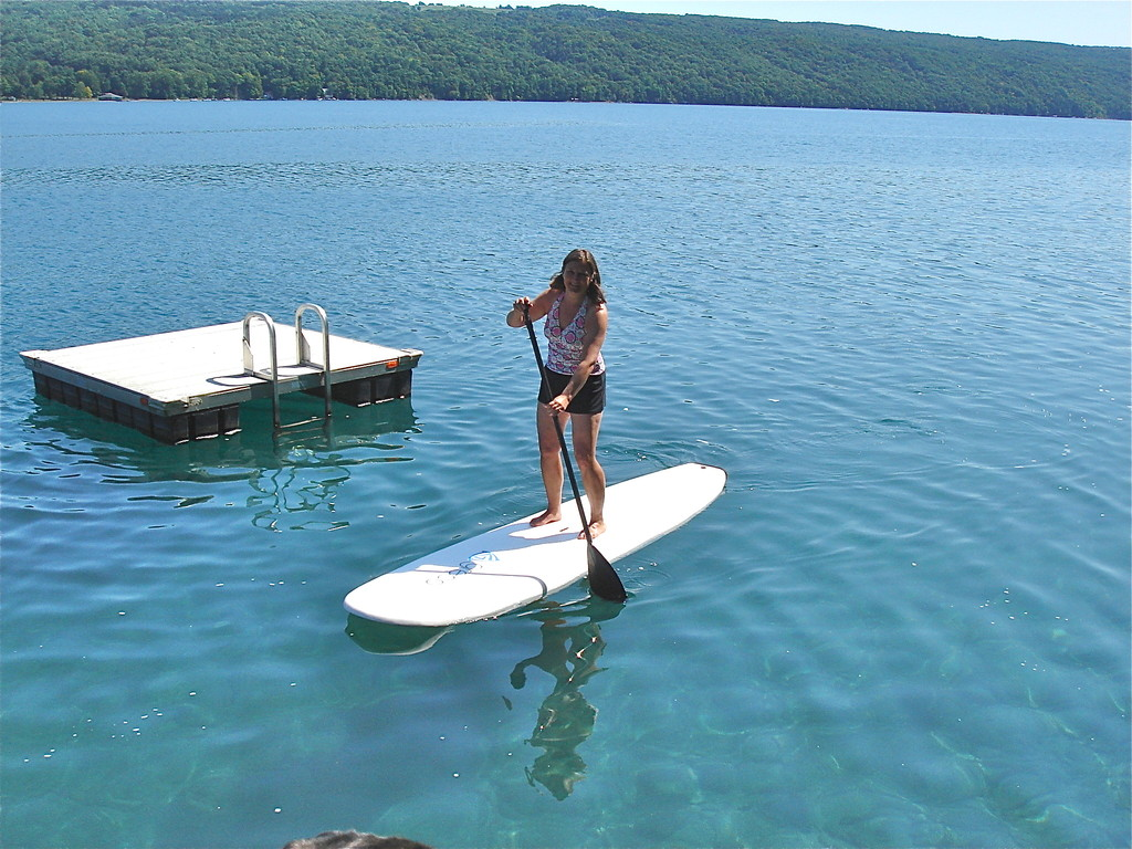 Cyndi paddleboards!