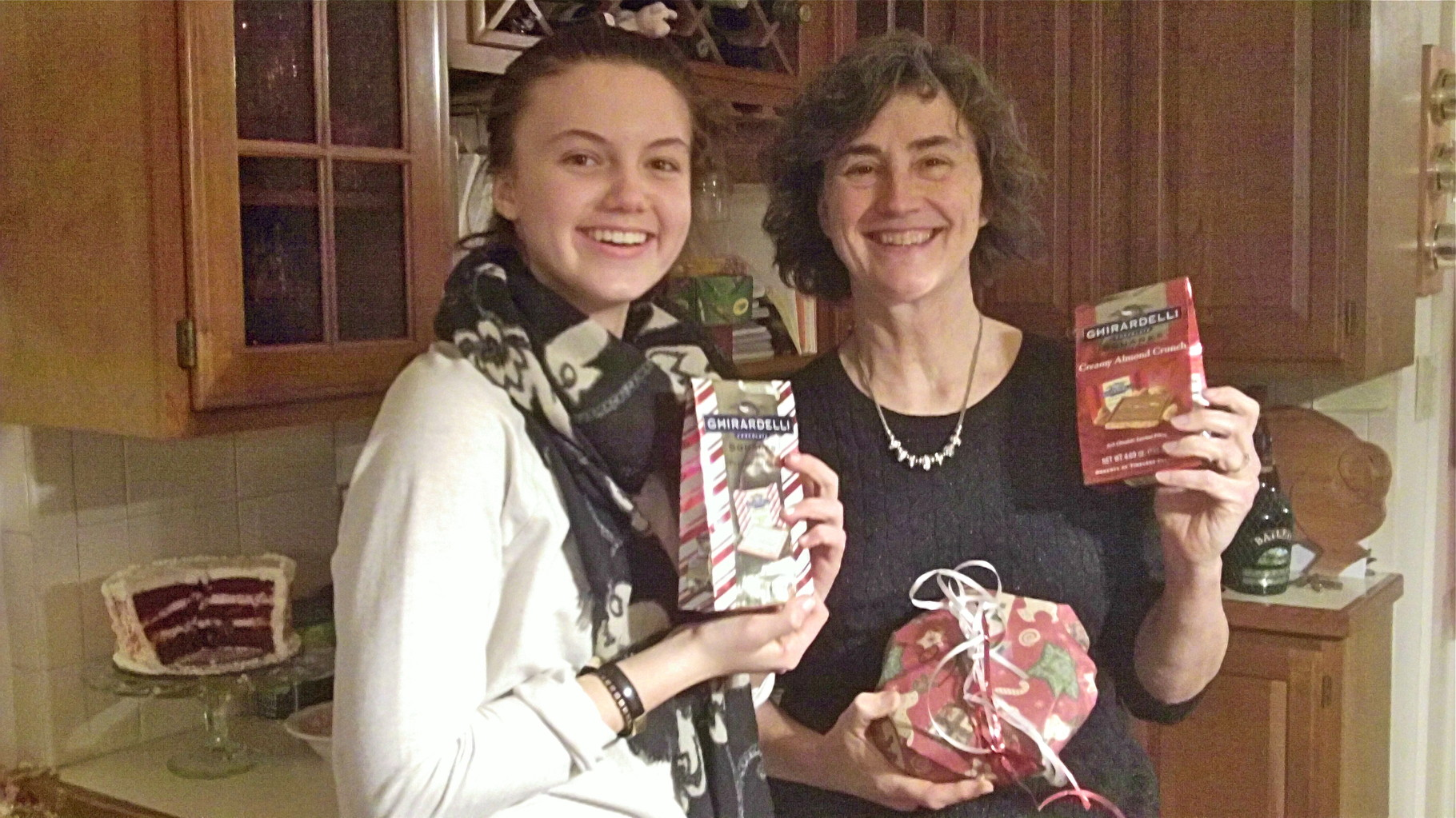 Kate Kagel & Ann Wagner win the 2 handed wrapping competition