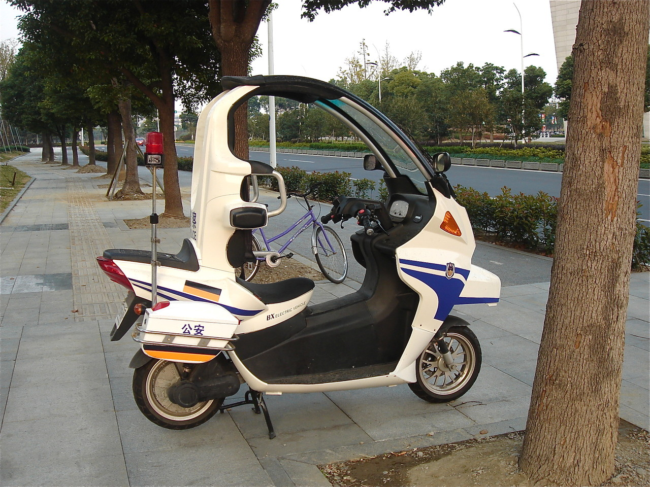 "Police ""car"" in Suzhou, China"