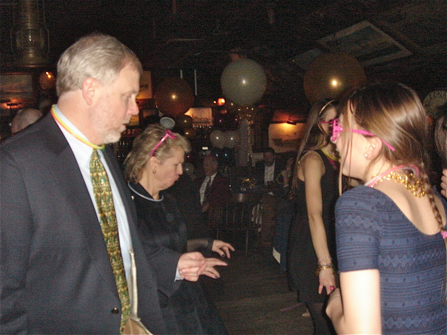 Stuart Jr. & daughter Gabby hit the dance floor.