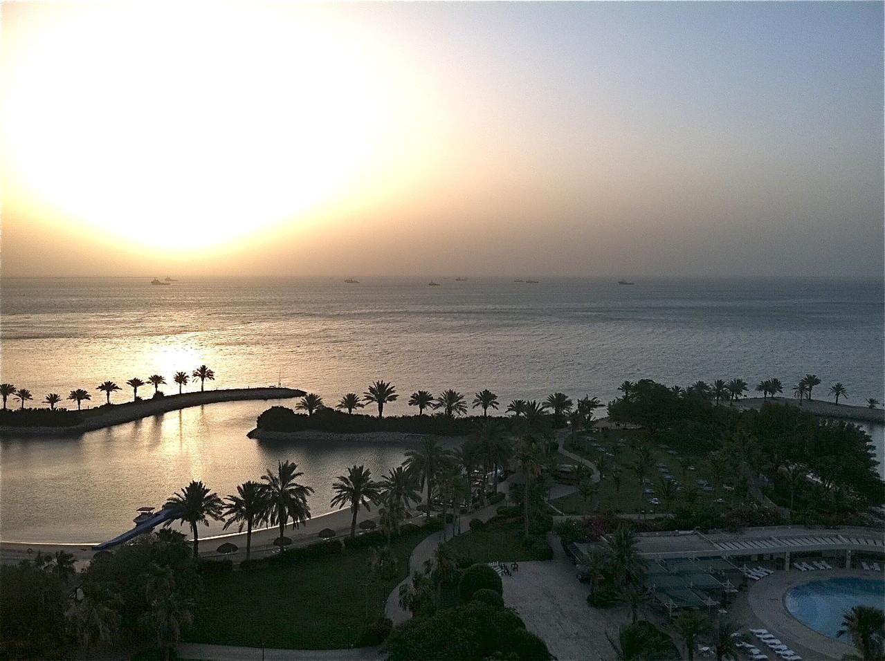 sunrise, sandstorm, Sheraton Doha, Qatar