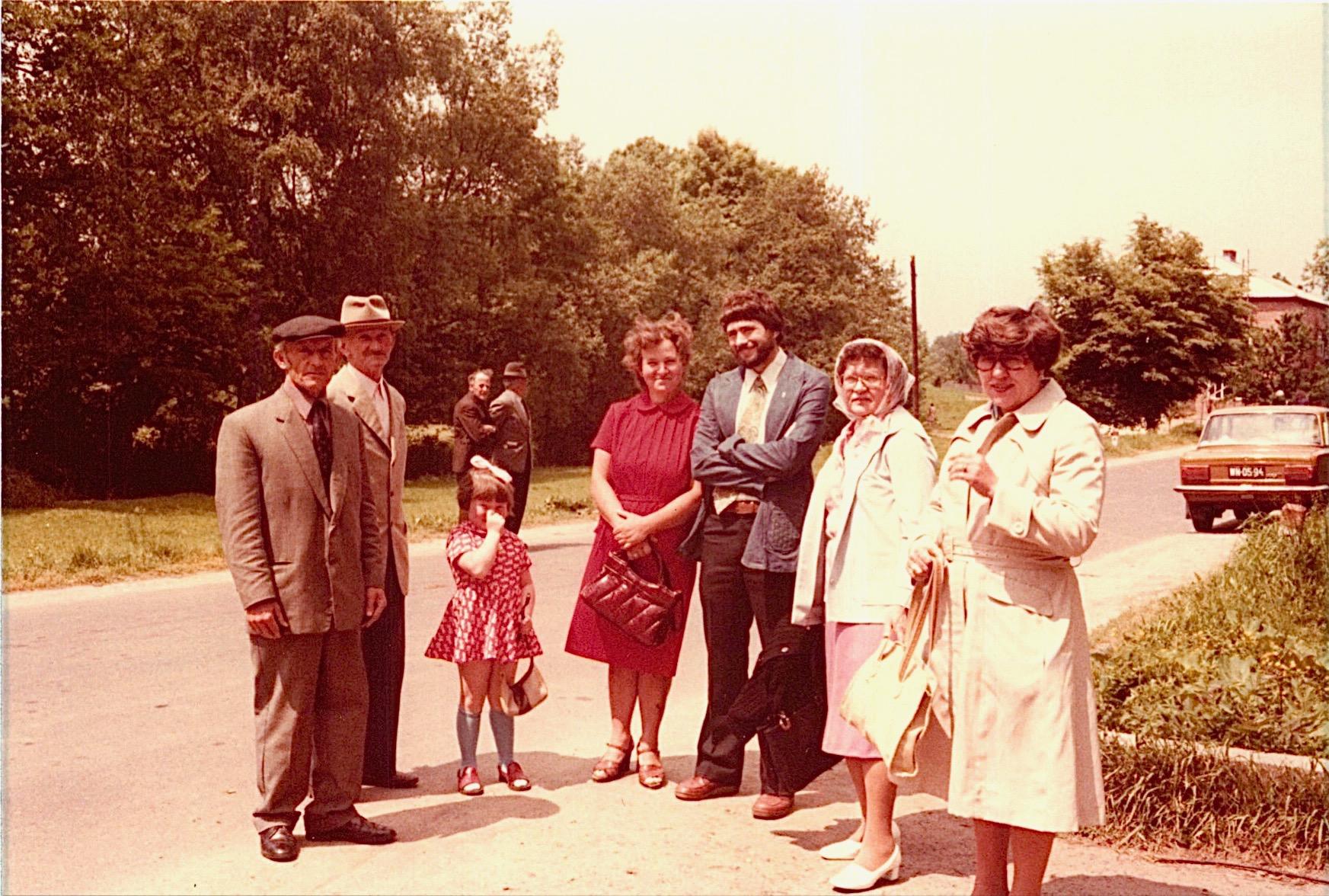 Anna Bogdan's son Peter (Piotr), a friend, Irena, Jadwiga, John Wagner, Mayme, & Eleanor Bogden Gudas in Rzemien, Poland, 1978
