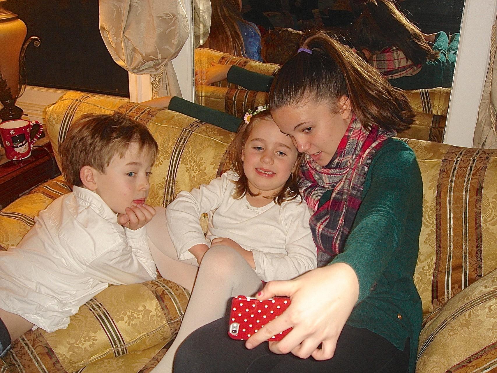 Alexandre, Charlotte, & Kate take a selfie