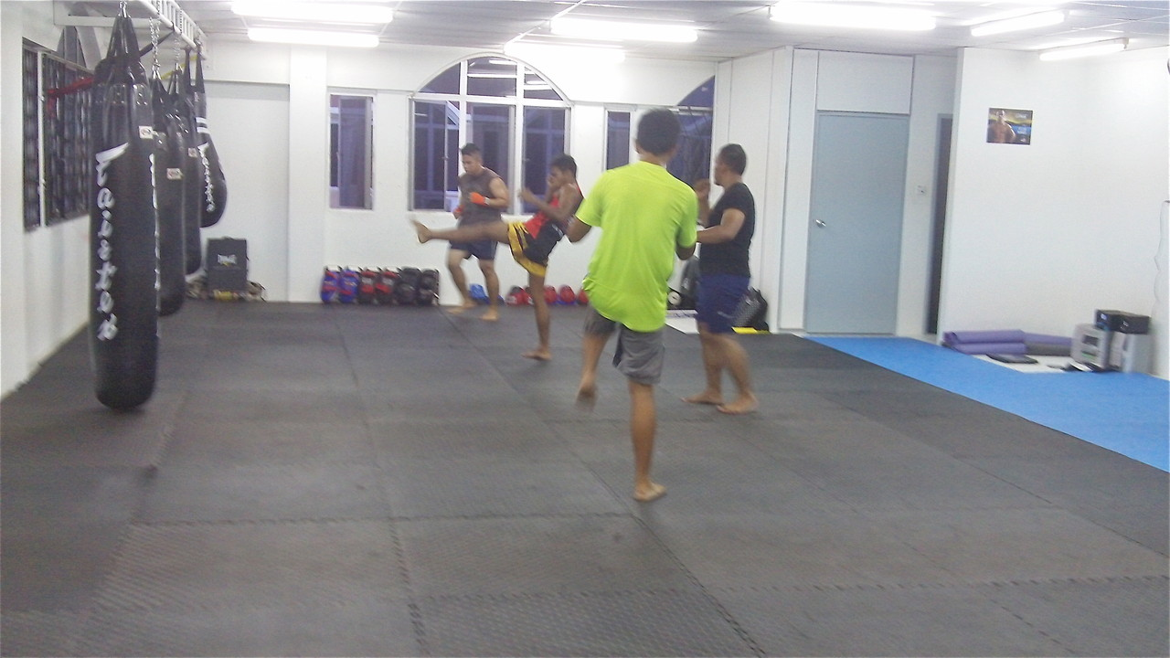 The Borneo Tribal Squad MMA & Fitness Factory, Borneo-muay tai class in session