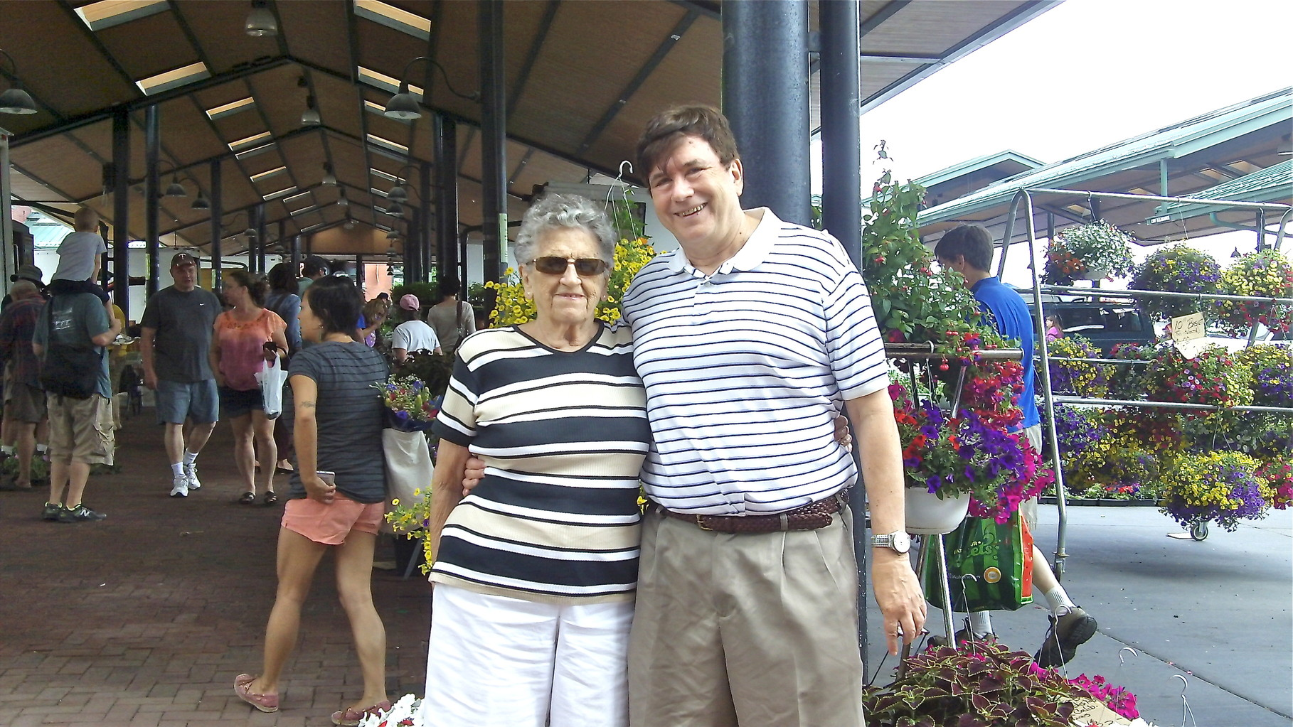 St. Paul Farmer's Market, Mary Lou & John