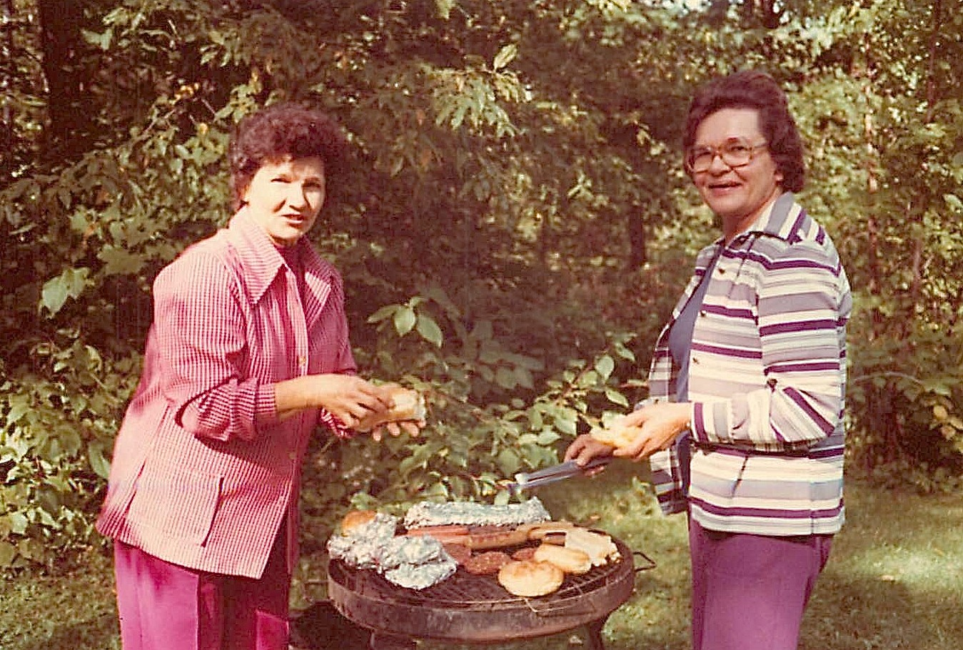 Helen Bednarski & Mayme Bogden Baldyga, Tuscarora Lake picnic 1976