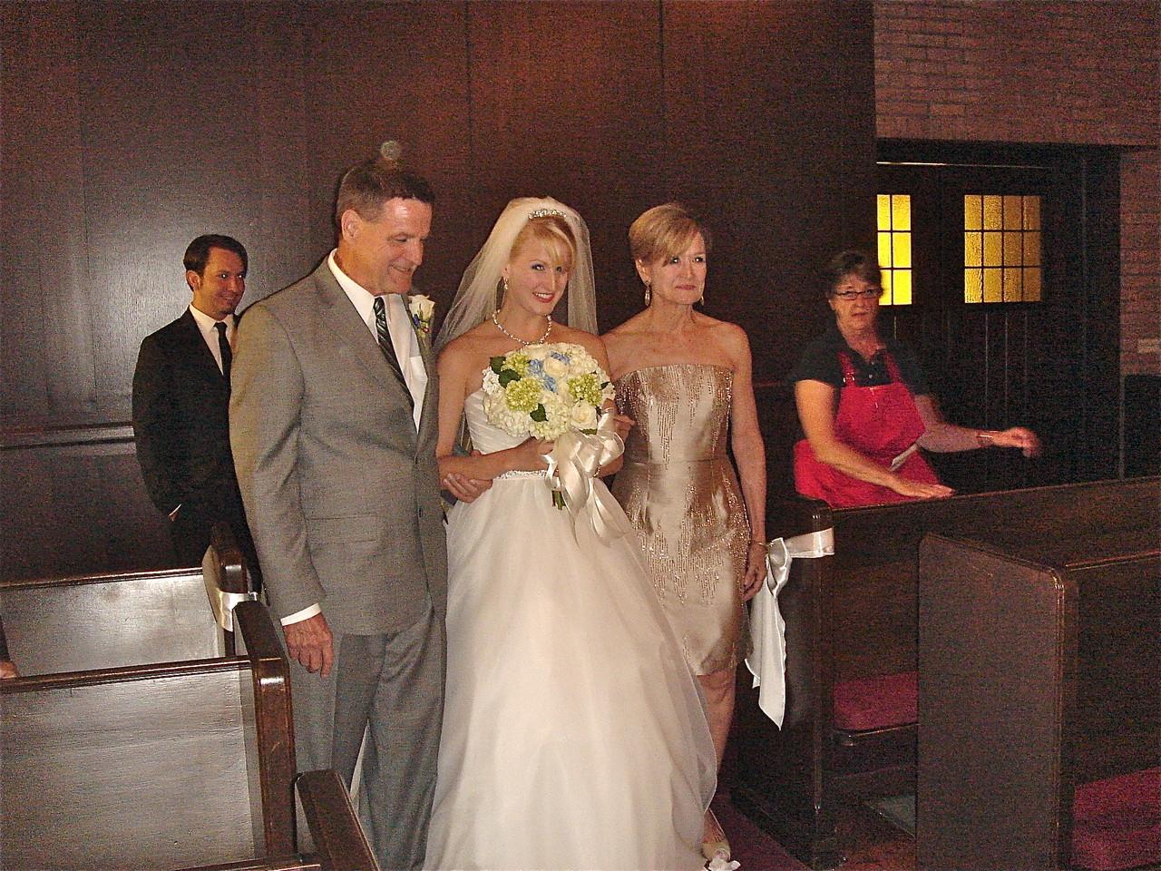 Tom, Sarah, & Sally Schwarz come down the aisle!