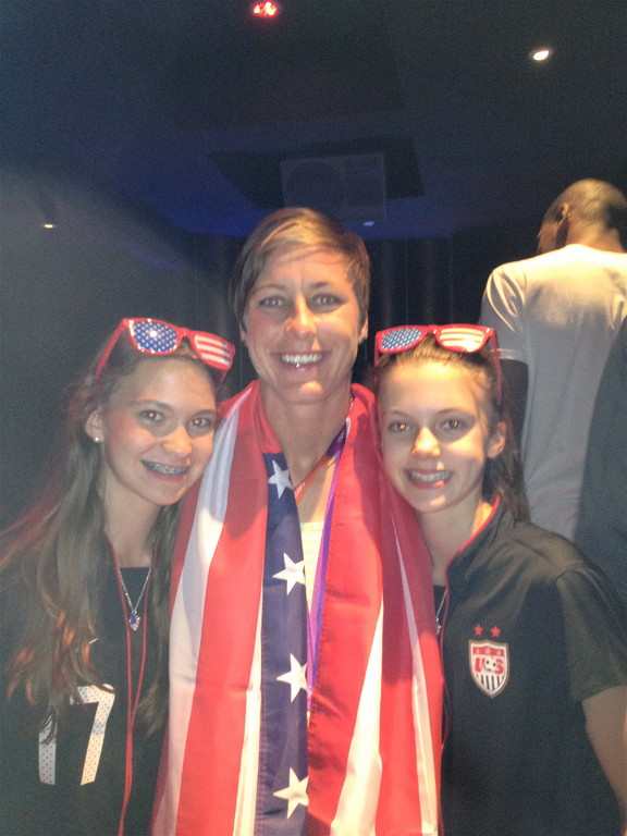 Ellie, Abby Wambach, Kate