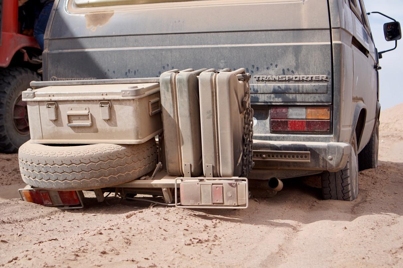 Böse Stimmen behaupteten, unserem Gepäckträger würde es sowohl an Professionalität als auch an Bodenfreiheit mangeln