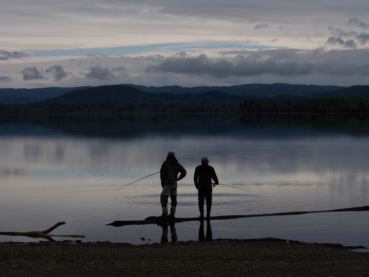 朱鞠内湖イトウガイド その4 根っからの釣り人