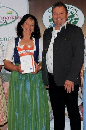 Elisabeth und Hubert erhalten die Käsekrone 2018/19