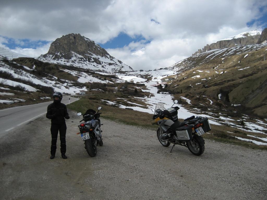 Dann folgen Cerada-Pass, Passo Pordoi, Passo di Rollo
