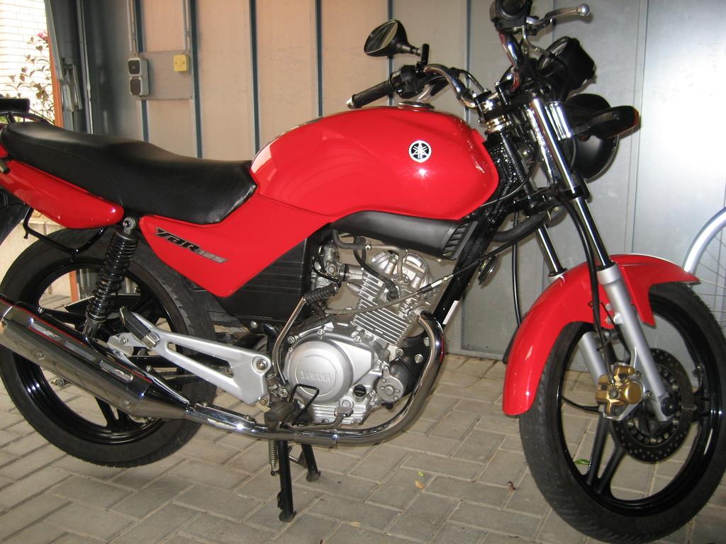 2008 - meine Tochter wird 16 und kauft sich eine Yamaha YBR 125