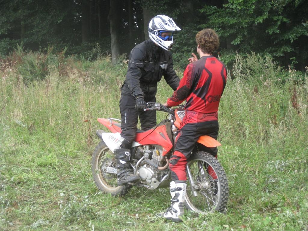 "und belegen einen Enduro-Workshop bei ""Dirt-for-Fun"" in Dülmen"