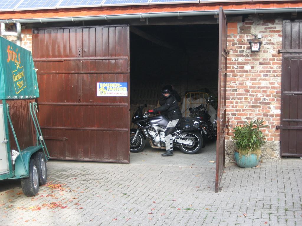 Fritze hat für eine Menge Motorräder Platz in seiner Scheune