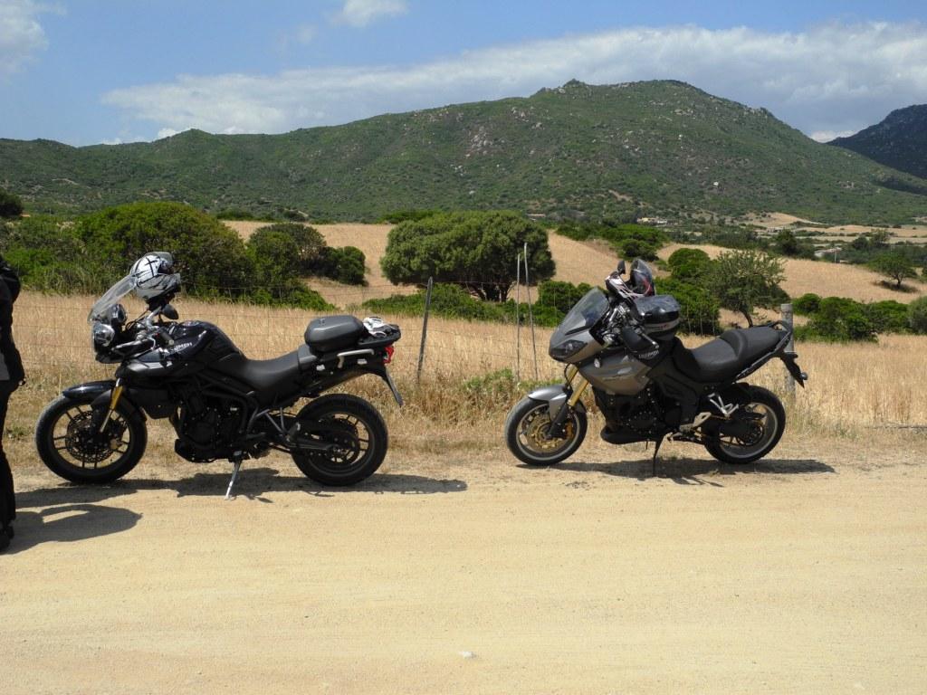 Im Mai 2015 buchen wir mit einer Gruppe eine Sardinien-Reise. Das wird die erste längere Tour mit der Tiger 800