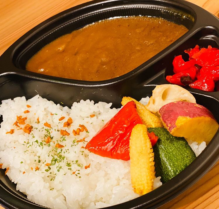 彩野菜のカレー 700円