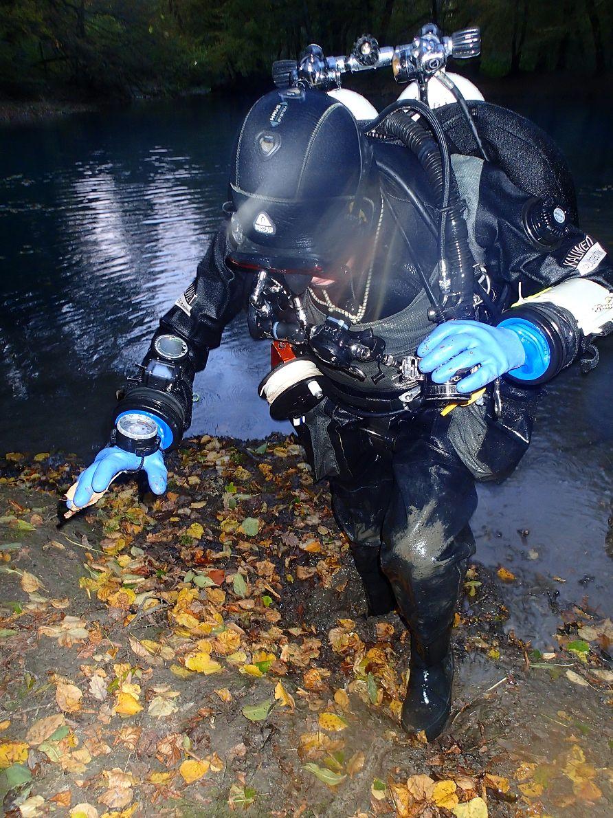 Rauskommen war gar nicht so einfach, sehr schlammiges Flussbett