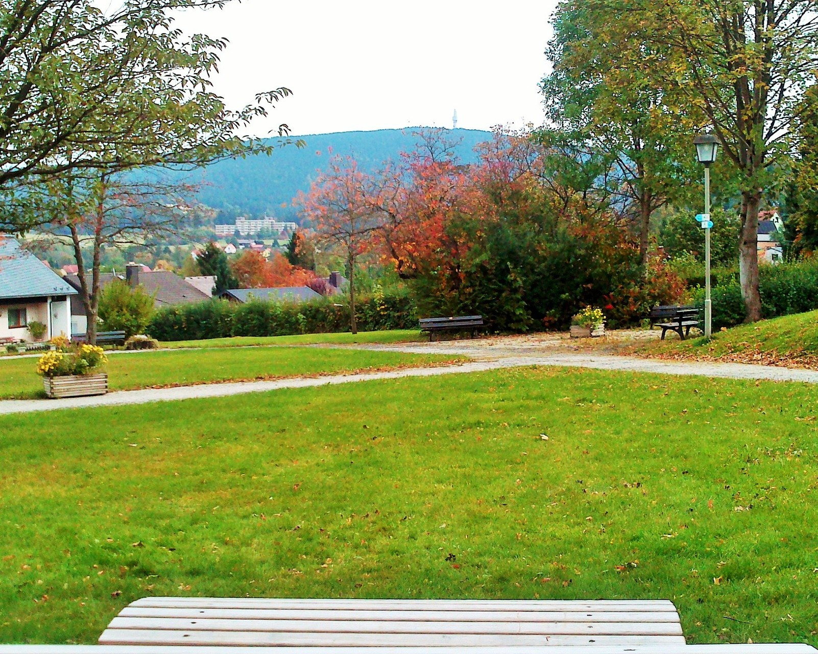 Ausblick WELLNESSLIEGE im Kurpark Bischofsgrün