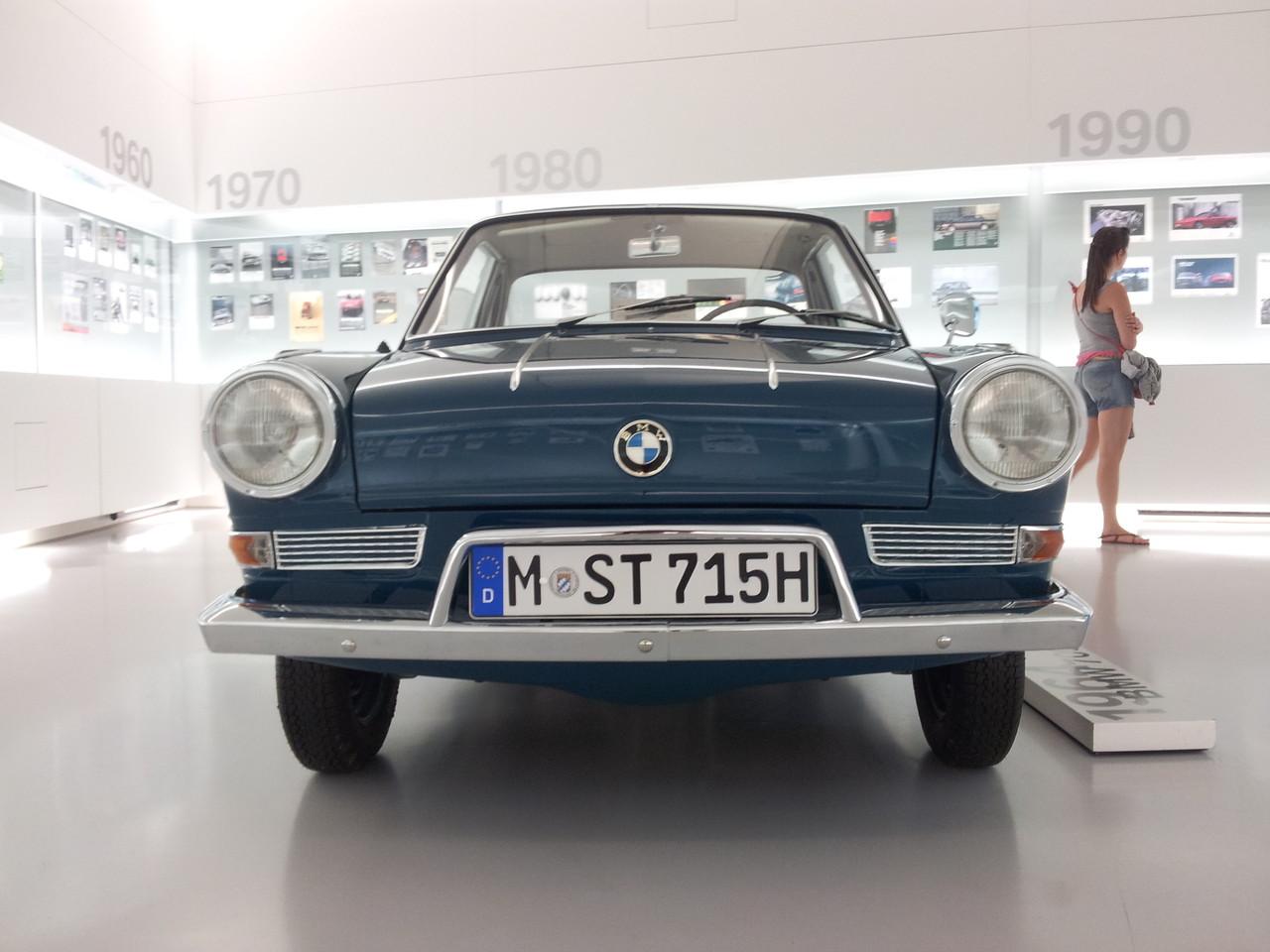 Ce modèle est inspiré de la Peugeot 404
