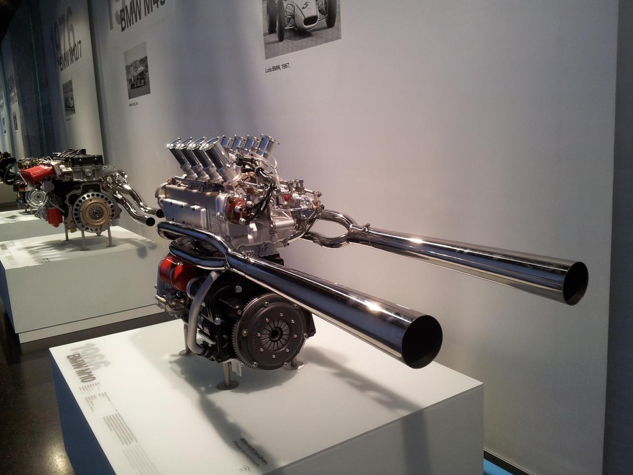 Un gros pistolet ou un drôle de moteur ?