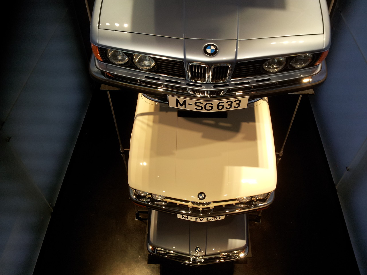 4 BMW superposées !