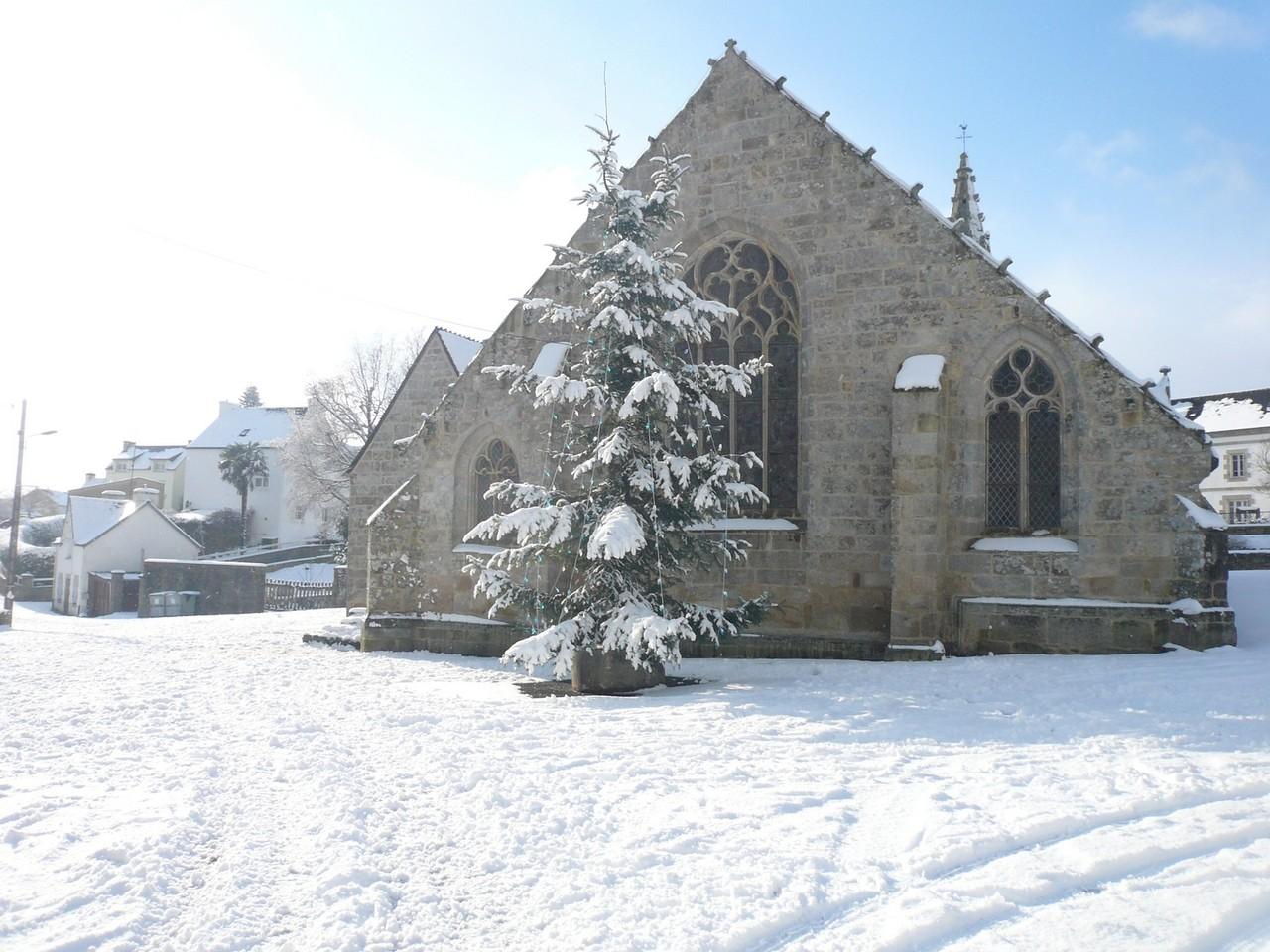 L'église sous la neige