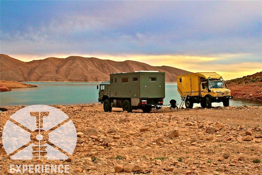 Stelldichein von Unimog und echtem Expeditionsmobil - zuverlässigkeit durch getestete Technik - bewährte Fahrgestelle für Weltreisemobile 4WD overland expedition vehicle extreme overland travel experience  luxury interior