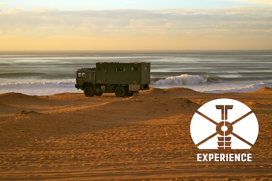 "Expeditions Vehicle ""tesomobil"" on the baech / Expeditionsmobil am Strand - für echte Weltreisemobile dank Allrad kein Problem - sofern sie so weit kommen 4WD overland expedition vehicle extreme overland travel experience  luxury interior"