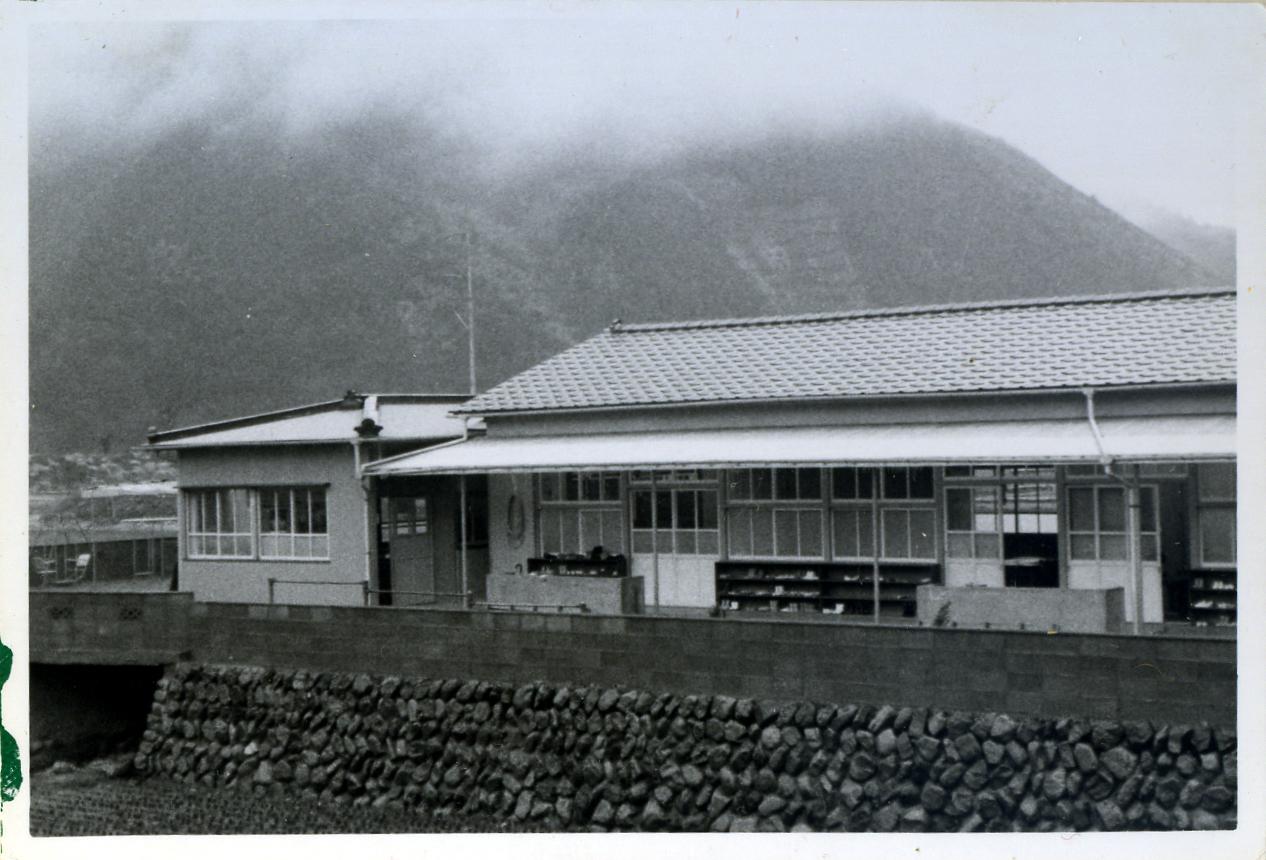 昭和43年開園当初の園舎