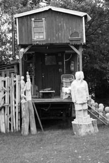 Werkstatt für Bildhauerei Hans Jannsen, Werkstatt in ausgebautem Bauwagen