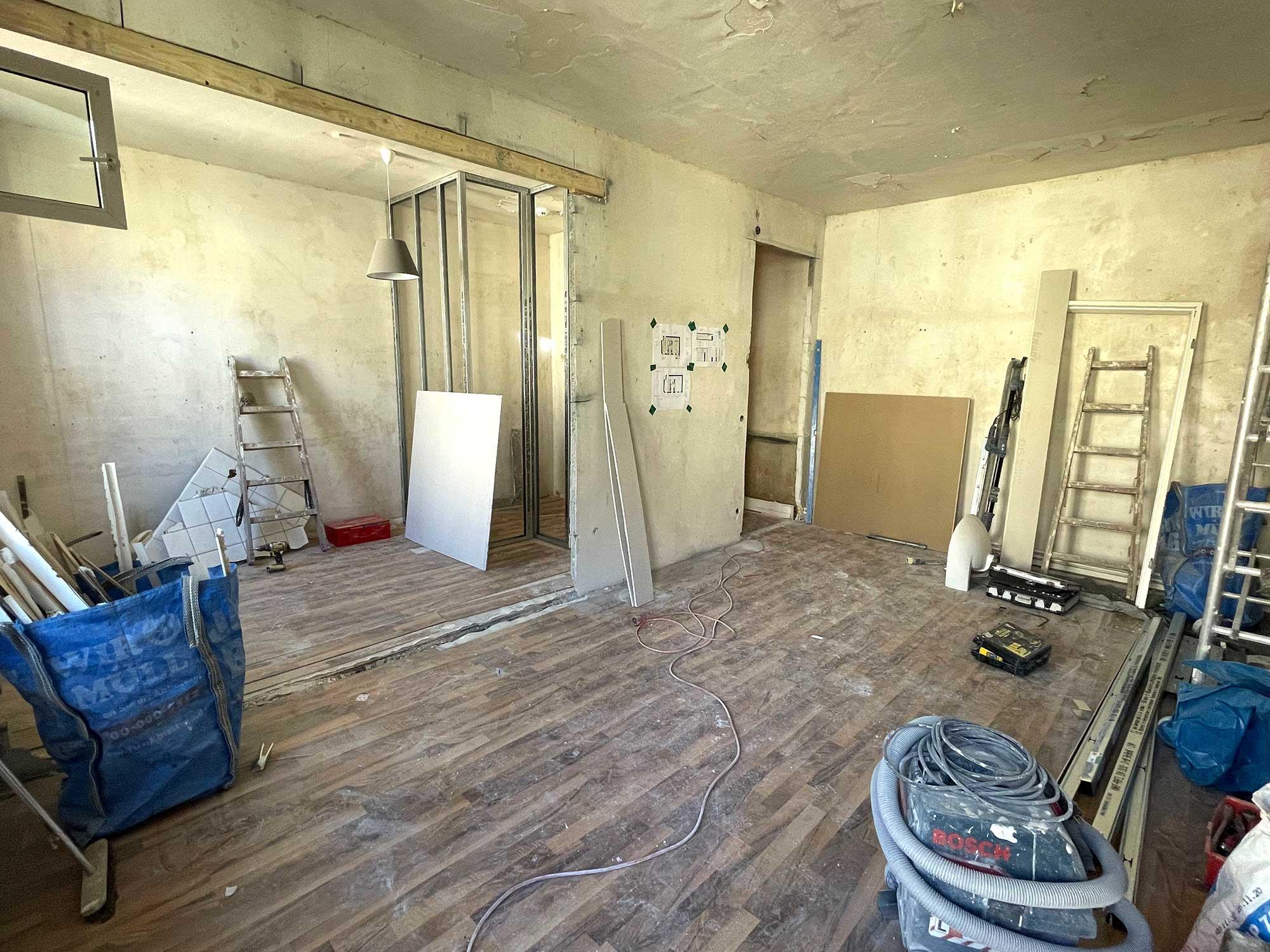 Start für die Renovierung einer kleinen Wohnung in Berlin-Prenzlauer Berg