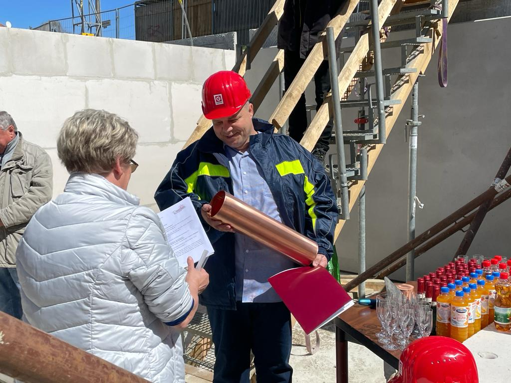 Grundsteinlegung mehrfamilienhaus in berlin-bohnsdorf