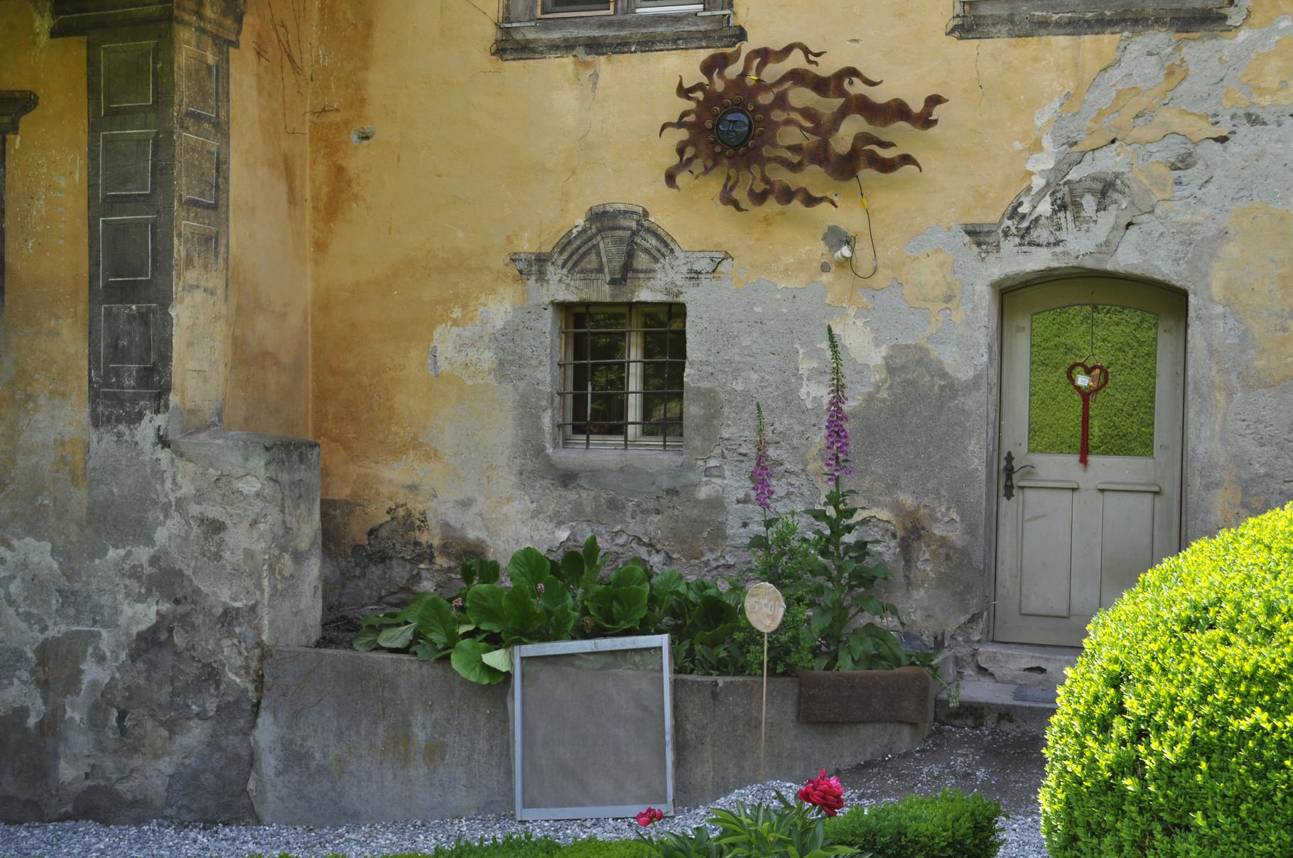 Ostfassade Seiteneingang vorher