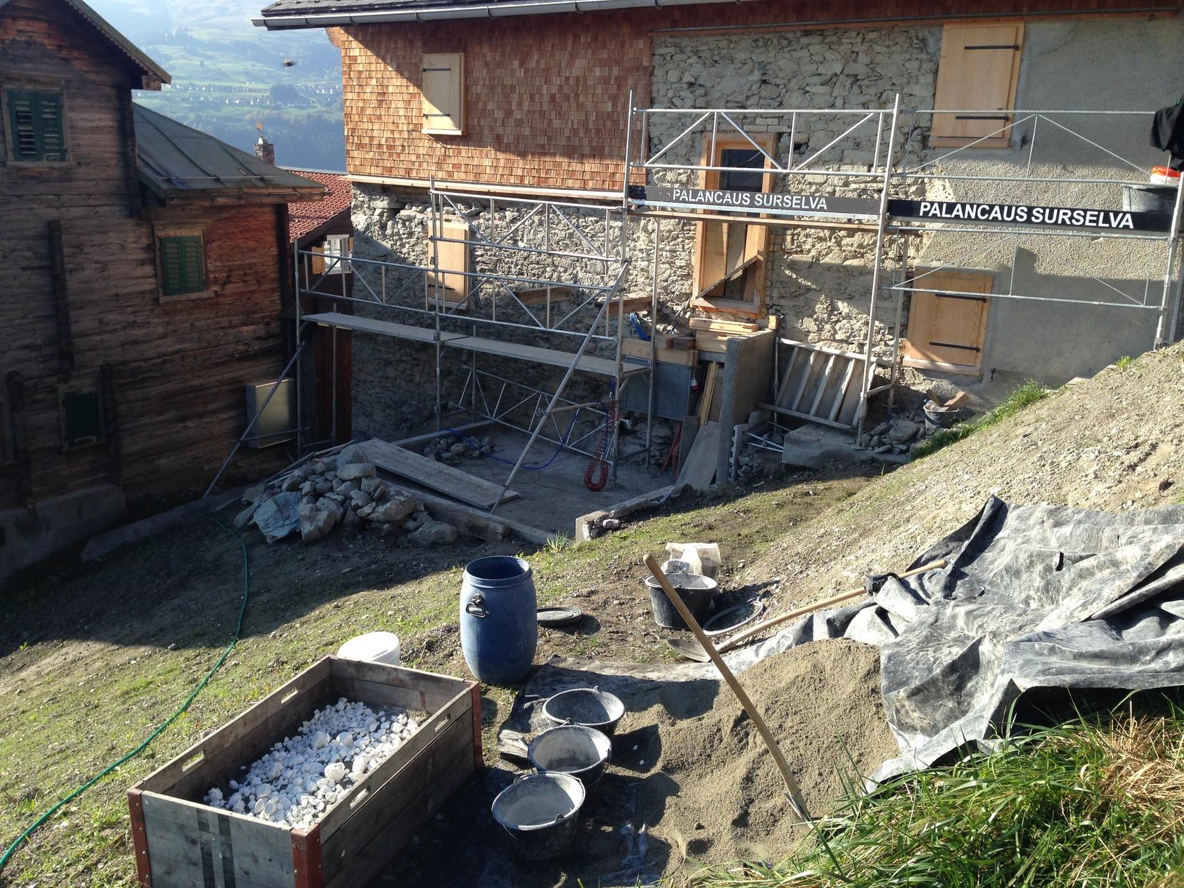 Ostfassade Natursteinmauerwerk, Trockenlöschung