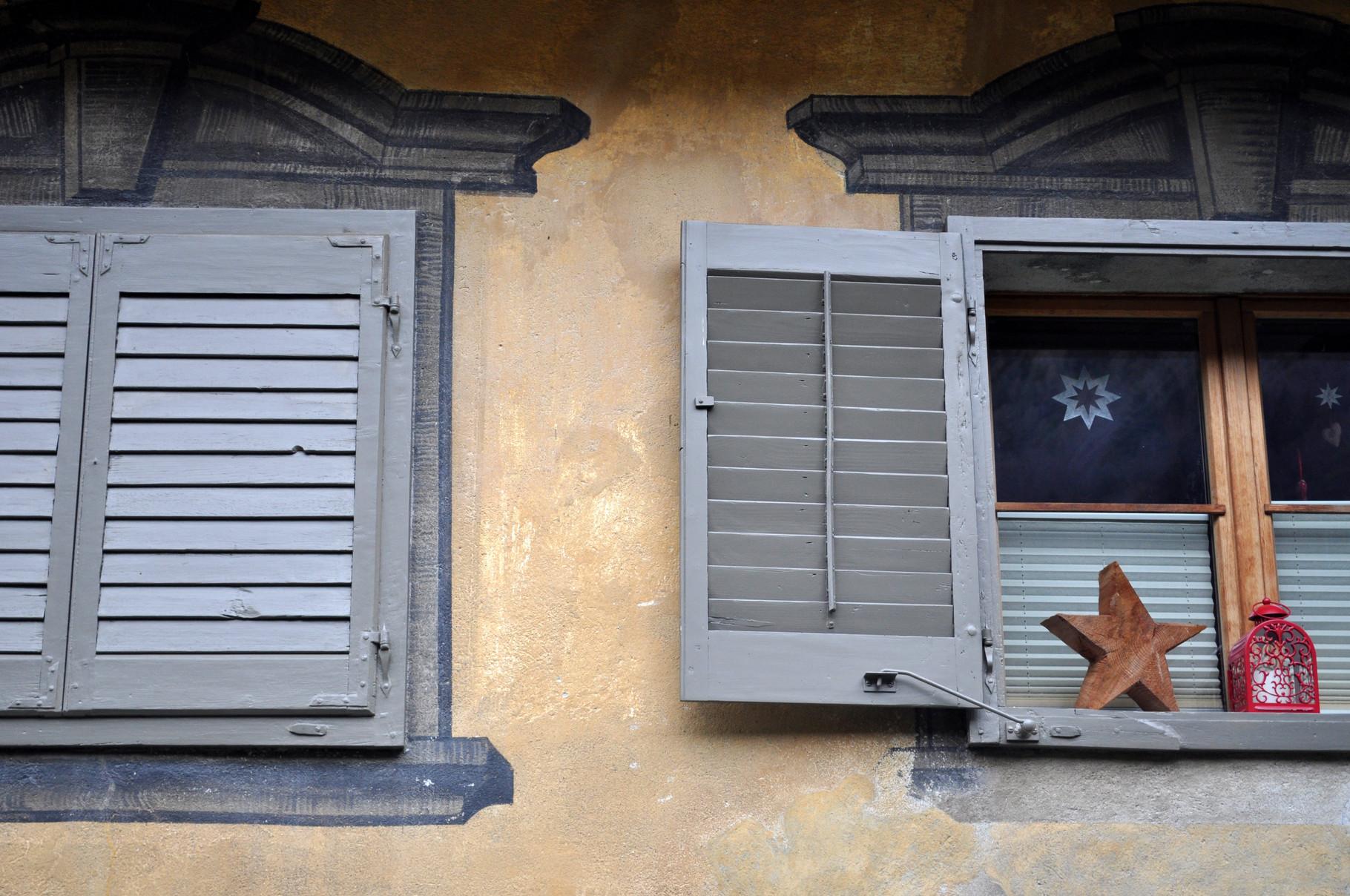 Fenstereinrahmungen