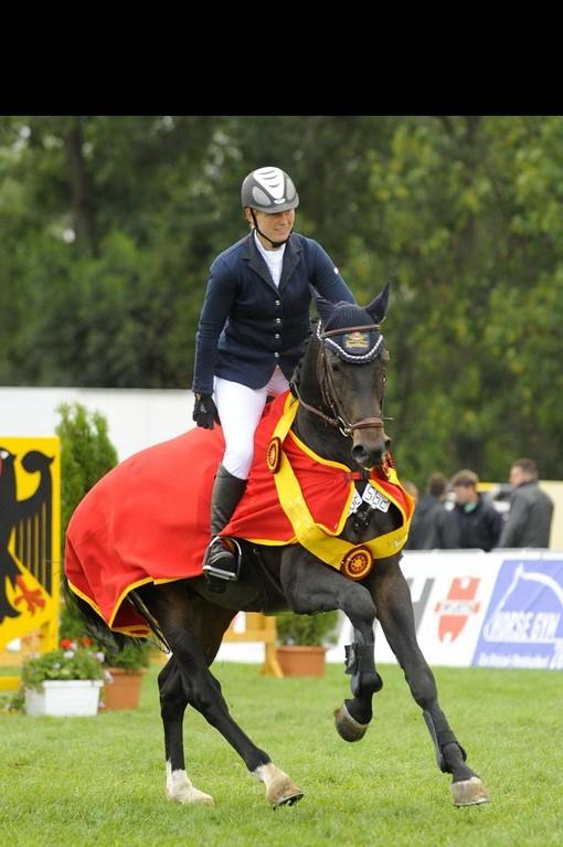 Champion der sechsjährigen Springpferde wurde FST Livius unter Karina Köber, Foto: kraft
