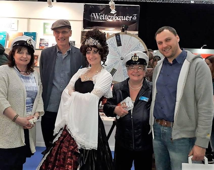 Die Weltenbauer mit Sylvia Filz und Sigrid Konopatzki