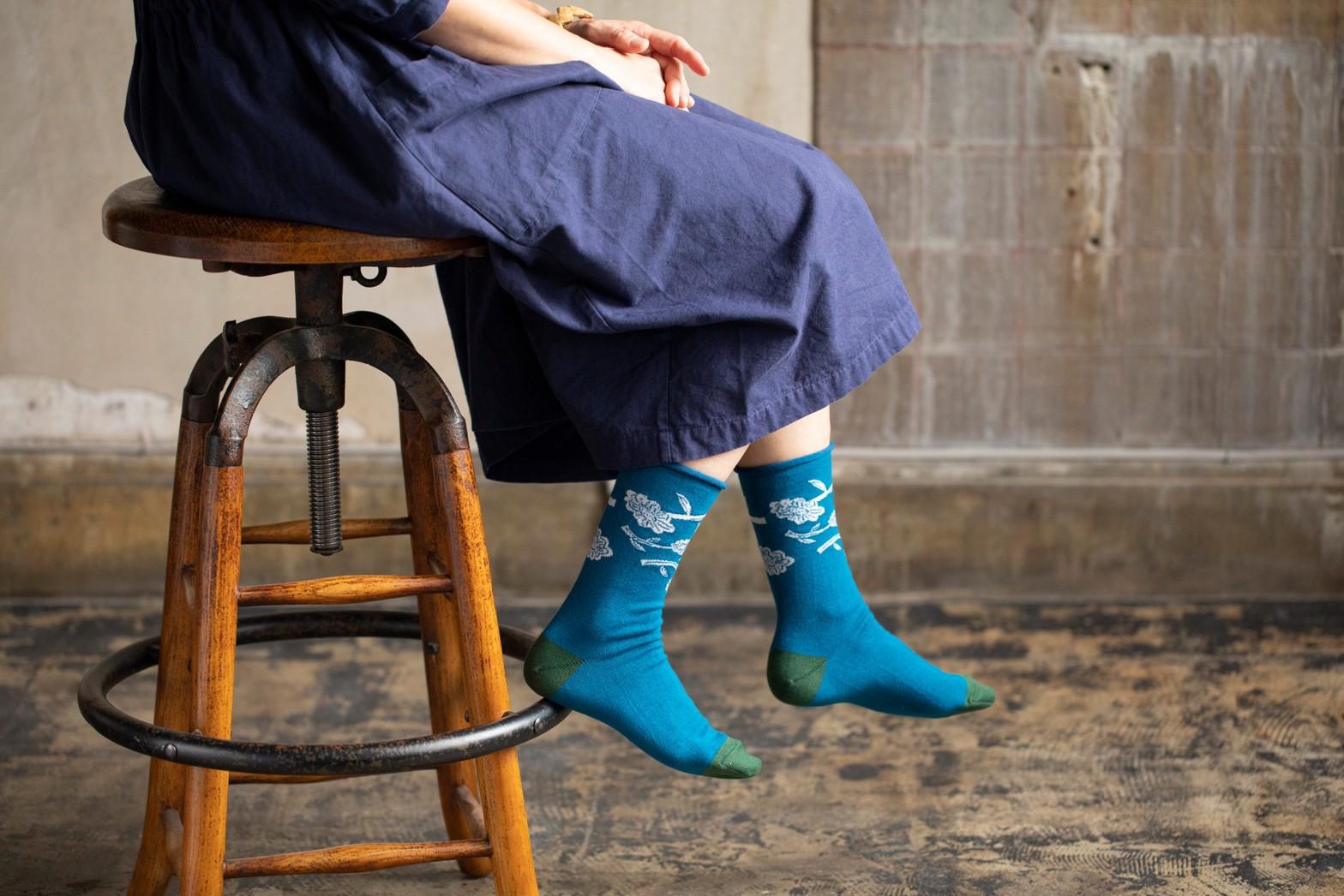靴下のhacu × ムラタトモコ コラボレーション靴下先行販売