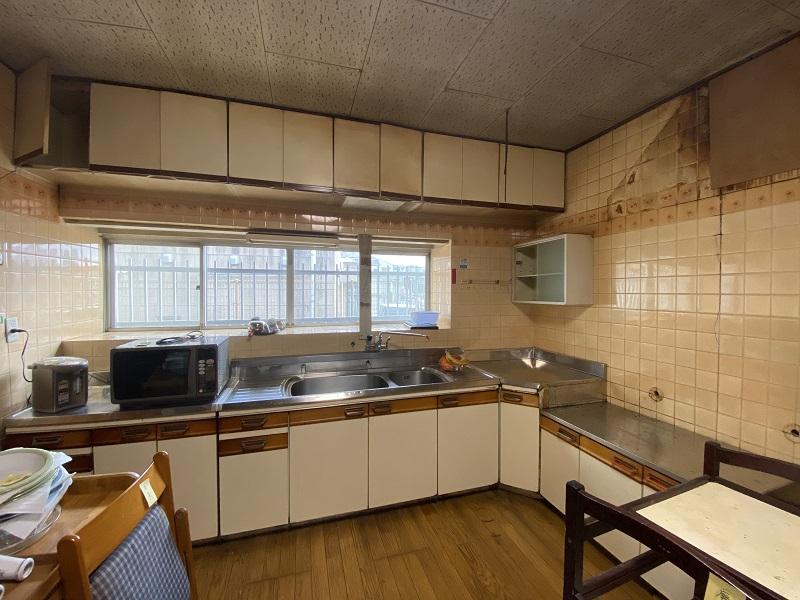 改装前:壁付キッチン