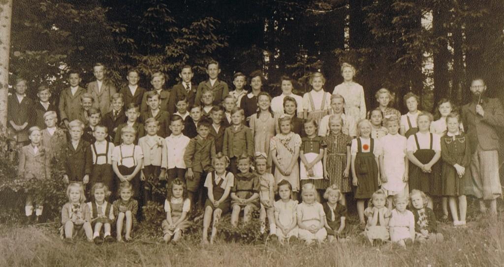 Volksschule mit Lehrer König